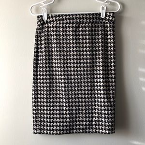 Black and taupe Houndstooth pencil skirt